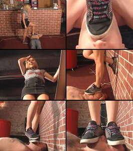 15587 - First trampling in flat soles