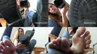 4969 - Celine's Sweaty Feet Challenge 2 (HD)